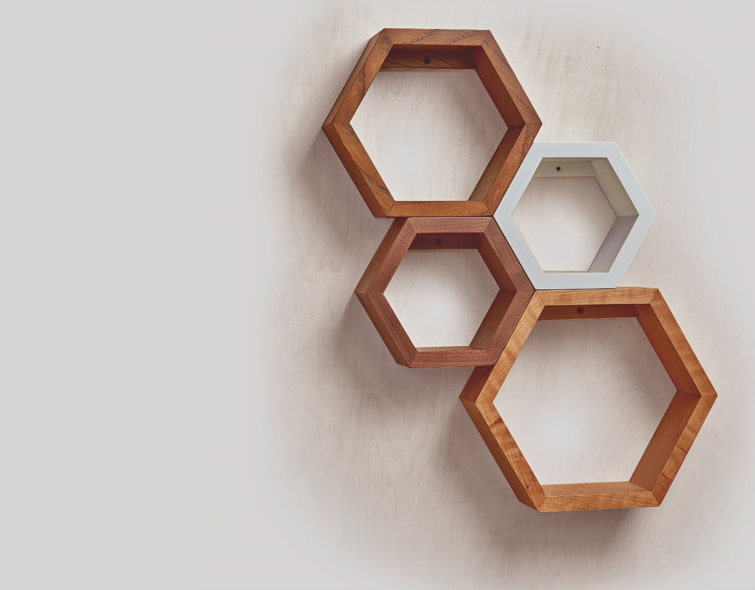RECLAIMED HEXAGON SHELVE SET OF 4